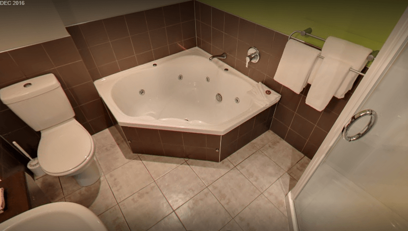 All units have spacious bathrooms with spa baths.